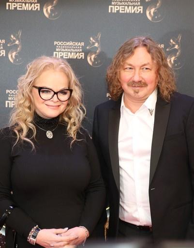 Лариса Долина и Игорь Николаев
