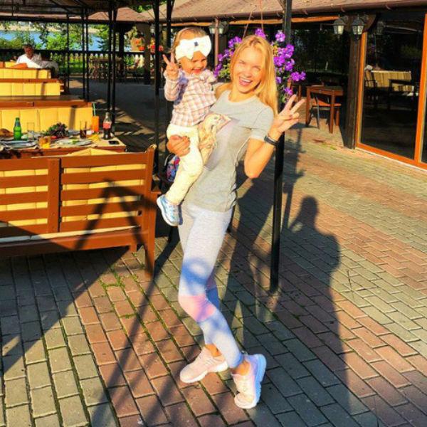 Екатерина Сафронова с дочерью