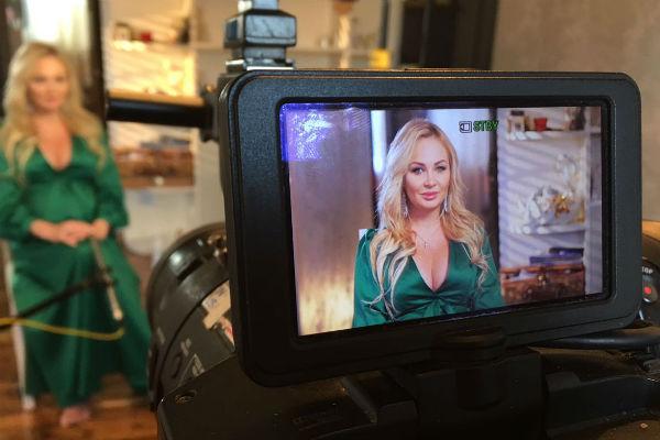 Дарья откровенно расскажет о беременности перед объективом телекамеры