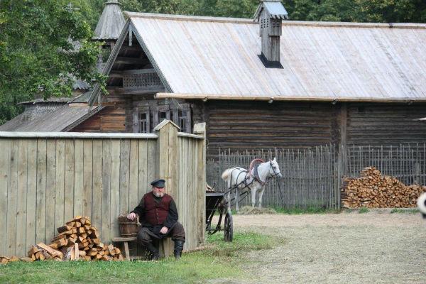 Сибирское село, в котором жил Распутин, возвели в Новгороде