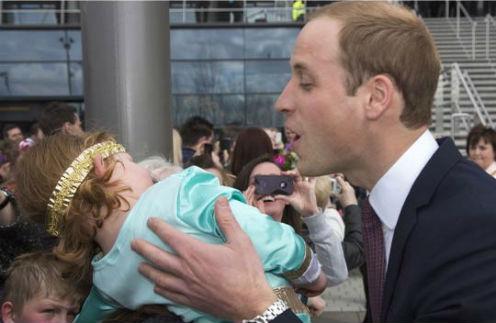 Принцу Уильяму так и не удалось поцеловать девочку