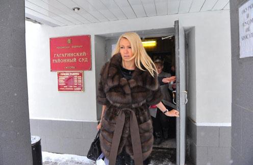 Яна Рудковская на выходе из Гагаринского суда