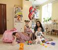 Звезда «Папиных дочек» Андрей Леонов завел люстру с лягушками и шкаф с питоном
