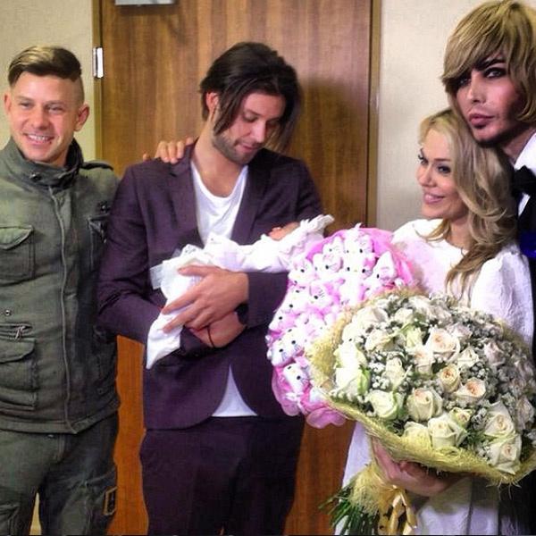 Из роддома Таню встречали Митя Фомин и Сергей Зверев