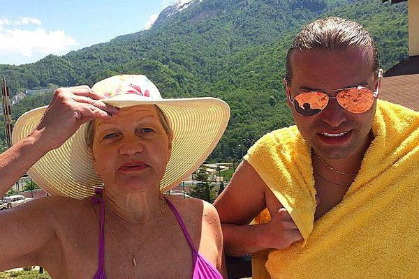 Екатерина Терешкович и Гоген Солнцев на отдыхе