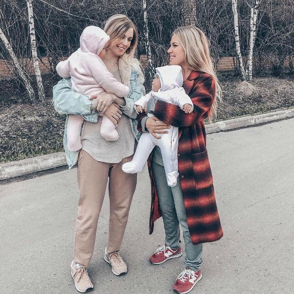 Гуркова воспитывает сына и дочь