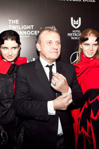 Жан-Шарль де Кастельбажак с моделями