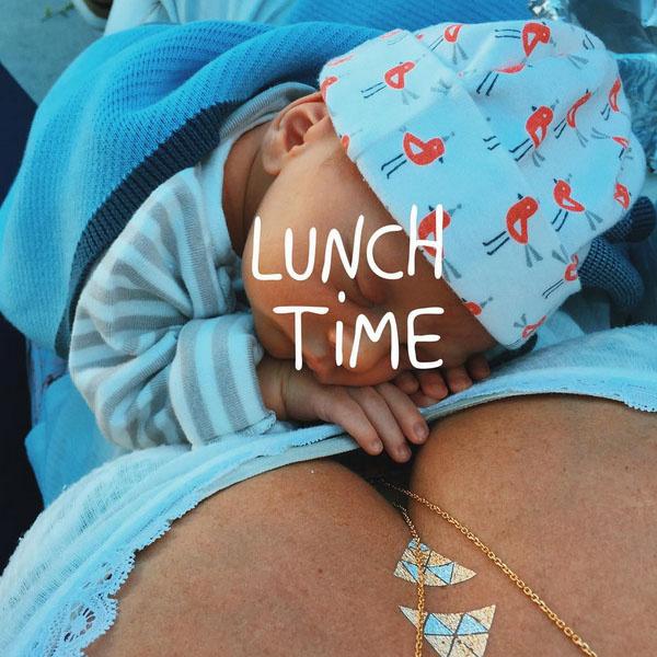 Саша Зверева советует мамам ни на минуту не расставаться с малышами