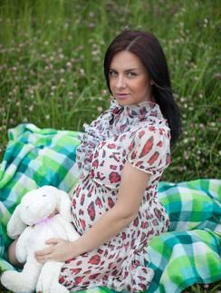 Незадолго до родов Валерия снялась в романтической фотосессии