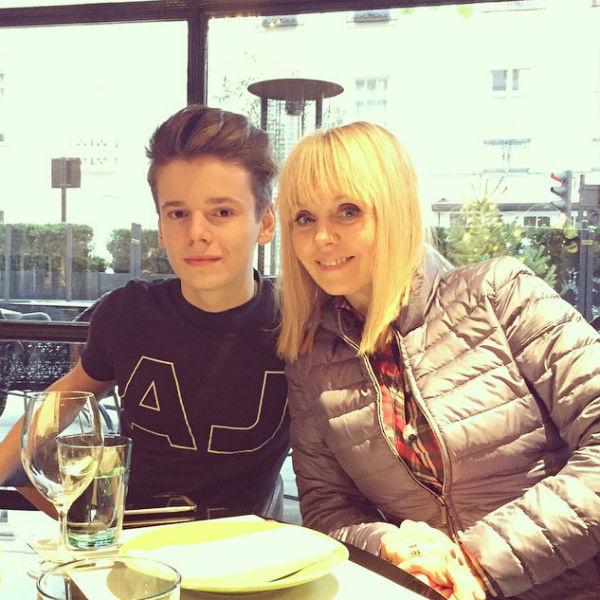 Арсений Шульгин со своей знаменитой мамой Валерией