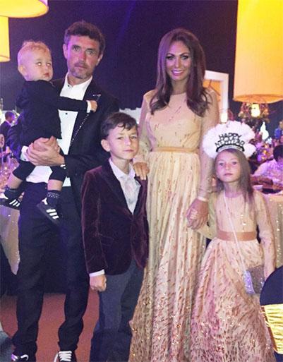 Юрий Жирков, его жена Инна и дети пары