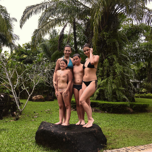 Весенние каникулы в этом году семья провела в Таиланде