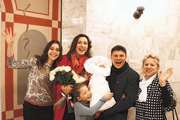 Елена Борщева с дочкой Умой