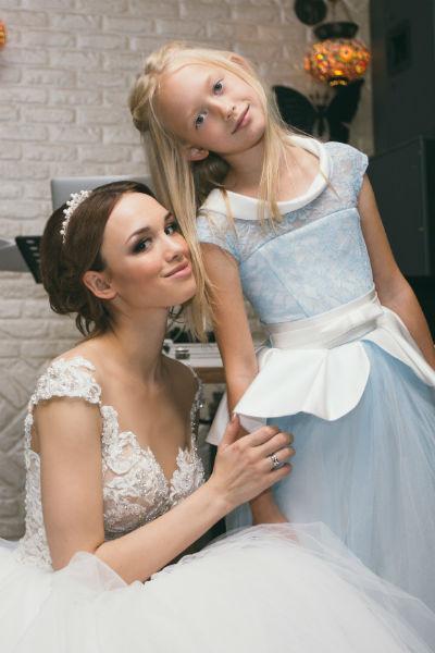 Диана с младшей сестрой Кариной
