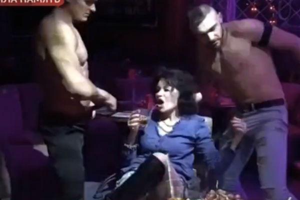 Снял пьяную в клубе #3