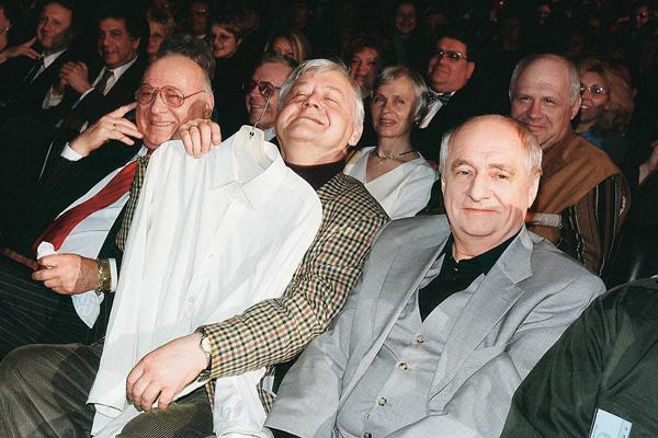 На вручении премии «Золотой Остап» с Олегом Табаковым и Арчилом Гомиашвили