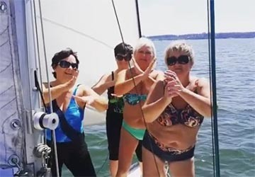 Мама Ольги Бузовой зажгла в бикини под хит дочери
