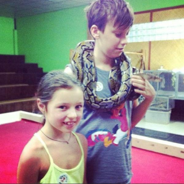 Ариадна побоялась брать в руки змею