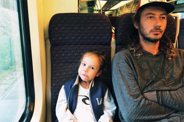 Дмитрий Анохин и сын Айзы Долматовой Сэм отлично ладят