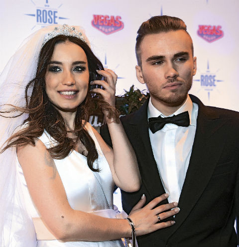Виктория и Дмитрий прожили в браке почти два года