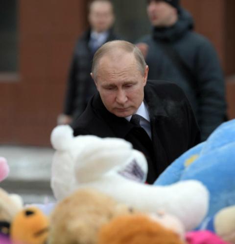 Владимир Путин возложил цветы на месте трагедии