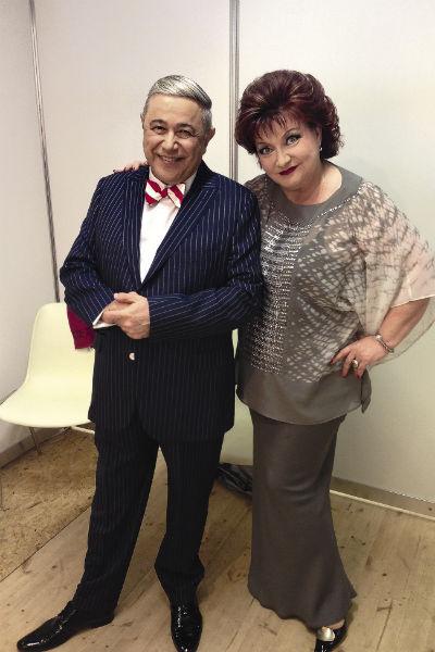 Вместе с супругом Евгением Петросяном артистка дала несколько тысяч концертов