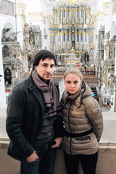 После недолгого романа в начале года партнеры по спектаклю «Двое на качелях» Татьяна и Григорий Антипенко расстались
