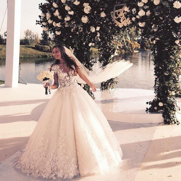 Лиза Брыксина стала законной женой отца ребенка певицы