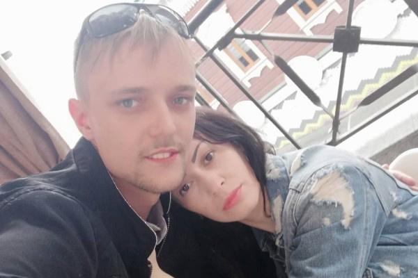 Несмотря на негатив со стороны отца, Сергей счастлив рядом с Юлией