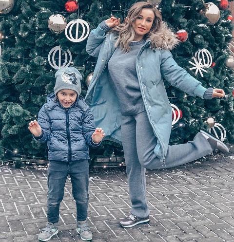 Анфиса Чехова с сыном Соломоном