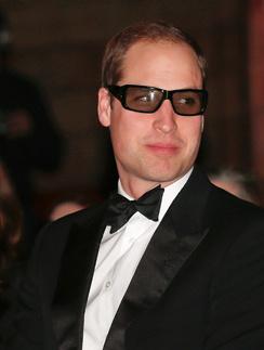 Уильям с удовольствием надел 3d-очки и ждал начала показа...