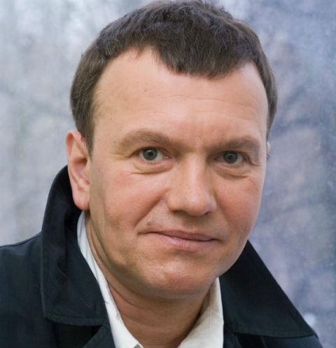 Звезда фильма «Брат-2» Александр Наумов признался в алкоголизме