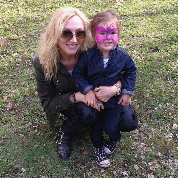 Кристина с Клавой на детском празднике в Серебряном Бору