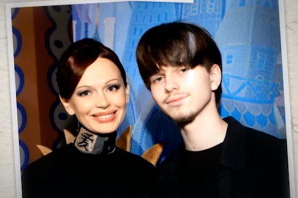 Ирина Безрукова и ее сын Андрей