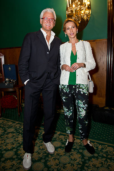 Александр Маршал пришел на мероприятие с женой
