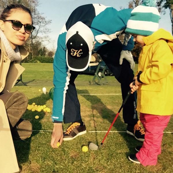 Маленькая Анджелина в свои два года уже может похвастаться спортивными успехами