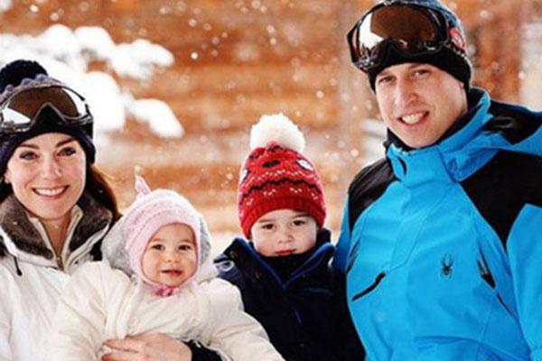 Кейт Миддлтон и принц Уильям показали семейное фото, сделанное во время отдыха во французских Альпах