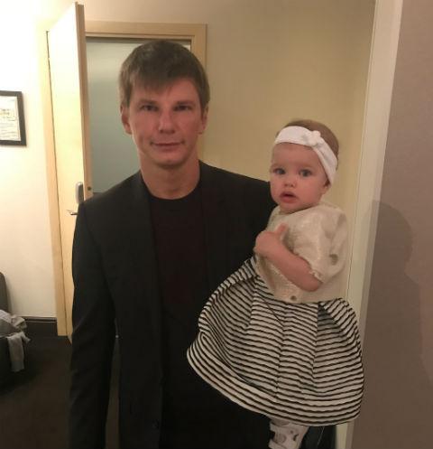 Андрей Аршавин с дочкой