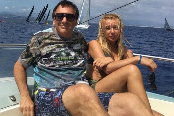 Еще недавно артистка делилась фотографиями с мужем во время отпуска