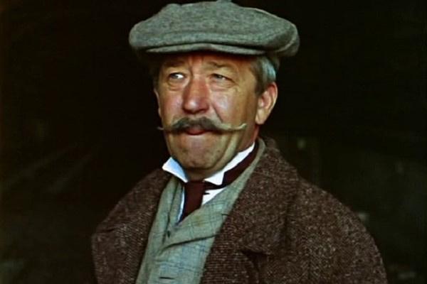С ролью инспектора Лестрейда популярность Борислава Брондукова увеличилась