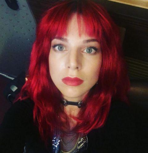 Наталья Подольская вновь стала с красными волосами