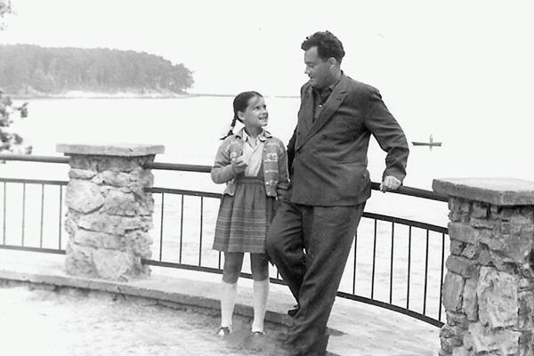 В первом браке родилась единственная дочь режиссера – Ольга