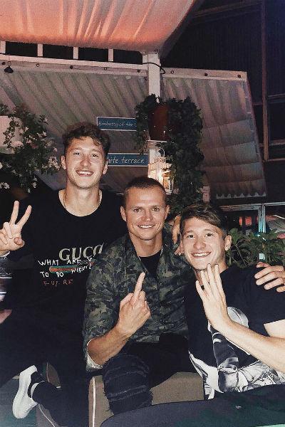 Тарасов дружит со многими товарищами по команде