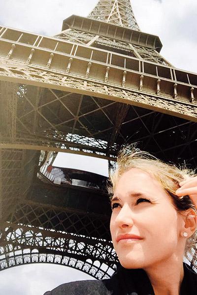 Марика слетала  с мужем в  Париж на два  дня