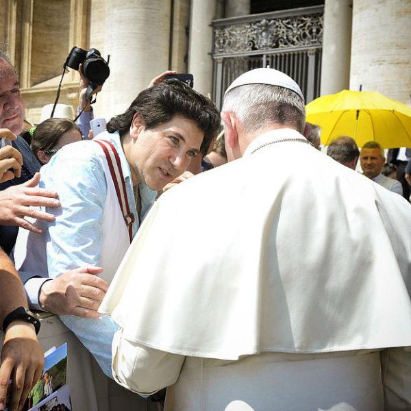 Авраам Руссо служит в итальянском храме Николая Угодника