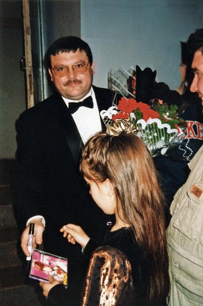 Михаил Круг после концерта, 1999 год