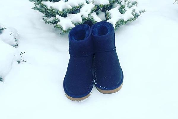 Певица купила к зиме новую обувь