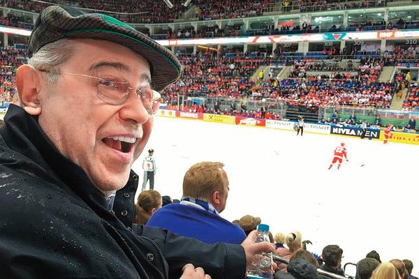 Евгений Ваганович отчитывается в «Инстаграме» о каждом своем шаге