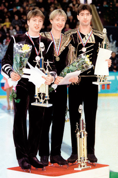 В 1999 году Плющенко победил на чемпионате России по фигурному катанию, опередив Алексея Ягудина и Алексея Урманова