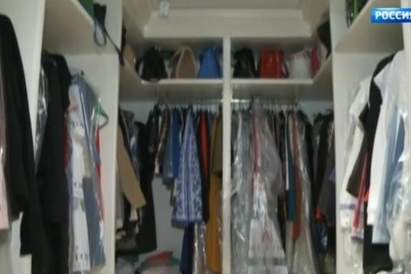 В гардеробной Миланы Тюльпановой остались вещи из прошлого